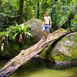 Im Regenwald schwimmen gehen